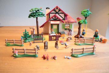 PLAYMOBIL Boswachtershuis en voederplaats