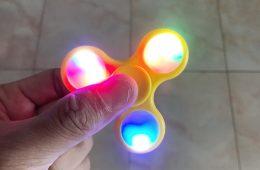 Fidget Spinners mee naar school of niet?