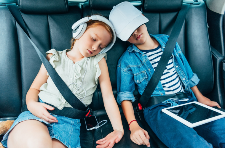 Met de kinderen op autovakantie: tips voor een ontspannen reis
