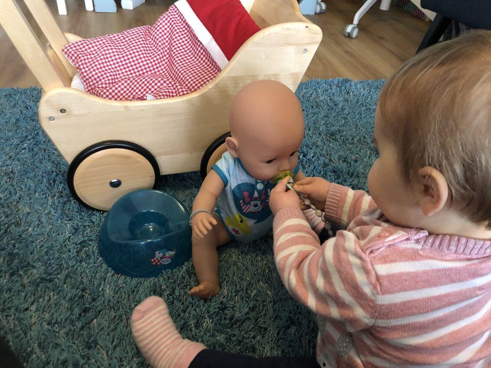 Rollenspel met poppen (en win)