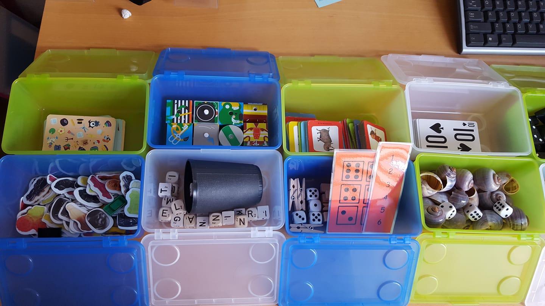 Busy boxes Via juf Meriam Wortman 2