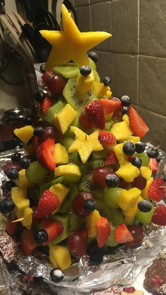 Gezonde traktatie fruitkerstboom