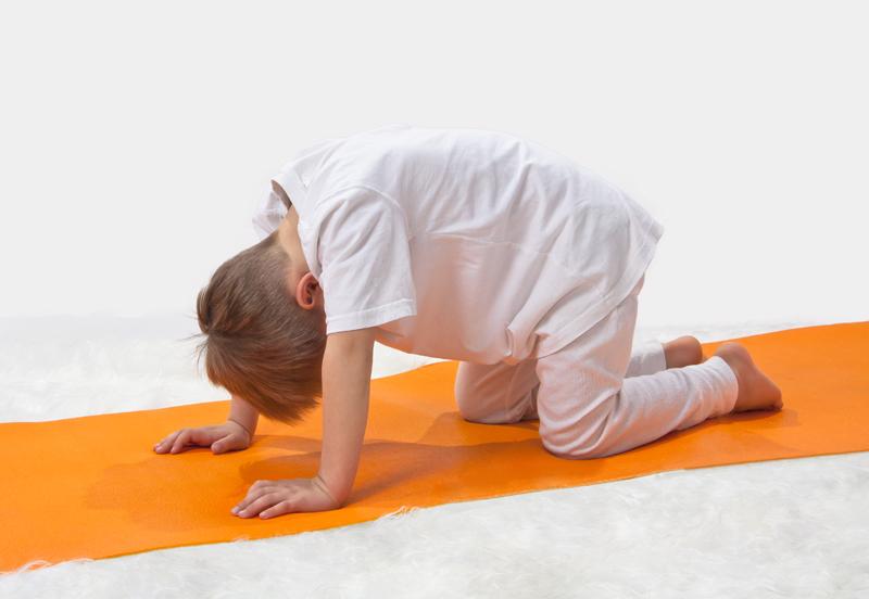 kat yoga met jonge kinderen