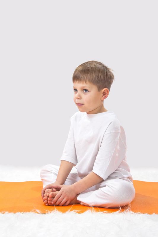 vlinder yoga met jonge kinderen