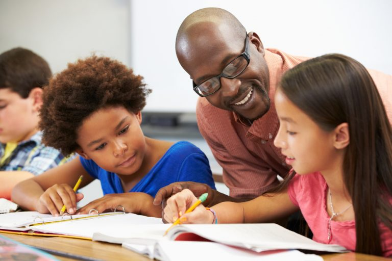Stakende onderwijsassistenten, waar blijven ze?